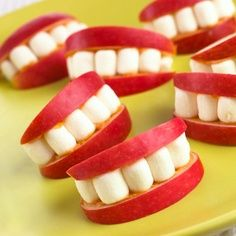 Would be even funnier to add a bit of spinach between the teeth :) Apple slices, peanut butter, and marshmallow! So cute.