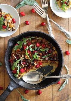 Cheddar polenta with sausage and cranberries | Running to the Kitchen