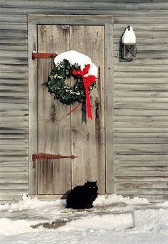 christmas wreaths, holiday wreaths, christma door, christma morn, barn doors