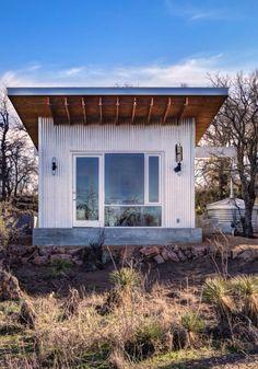 Modern cabin, again.  ¡\/\/\/\!
