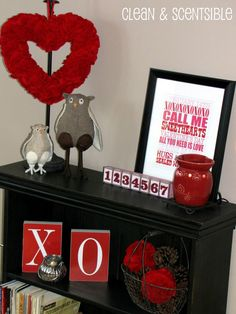 Clean & Scentsible: Felt Valentine's Decor - I love all the cute accents on this entry table