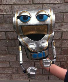 Professional Female Robot Puppet by Dallin Blankenship more @ http://thegoldengluegun.blogspot.com/