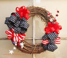 DIY 4th of July : DIY Patriotic Wreath