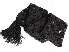 Negro con cuentas de luz bufanda de ganchillo