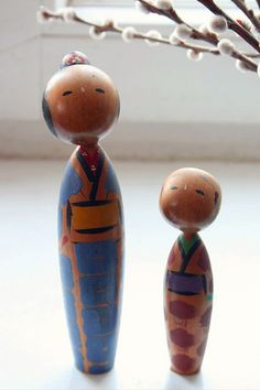Vintage Kokeshi Mother and Son...loved little things like this when I was small