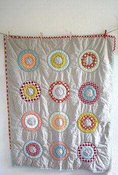 mrsmessy:Circles and Dots Lap Quilt (by Insung Kim)