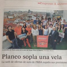Con mis compañeros de @Planeoes hoy en El País :))
