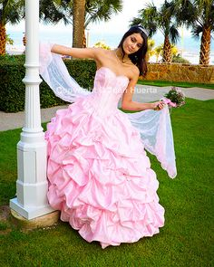 Nice pose for a Quinceanera
