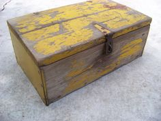 Old Wooden Trunk With Chippy Yellow Paint / Antique Wooden Lidded Trunk / Rustic Wood Box