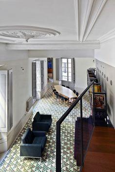 Carrer Avinyó by David Kohn Architects