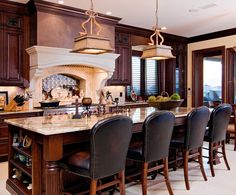 Kitchen by In Detail Interiors