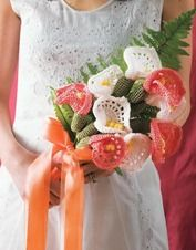 Crocheted flowers and bouquets with your hands