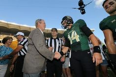 Former U.S. President George W. Bush with #Baylor quarterback Bryce Petty before the coin toss at McLane Stadium's first game. #SicEm
