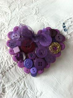 boutonnier, button brooch, shades of purple, button heart, brooch heart, violet, button craft, bags, heart buttons