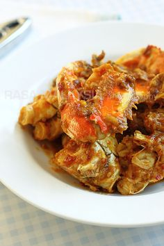 Chili Crab recipe - While this dish is traditionally prepared with green mud crab in Malaysia, I used a 2-lb Dungeness crab. If you can't find green mud crab or Dungeness crab in your area, you can always use another crab—stone crab or blue crab. #malaysian #crab