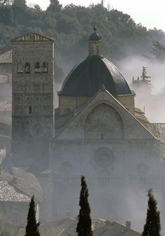 ~Assisi - Itàlia - San Rufino Cathedral~ vicinissima a noi!!