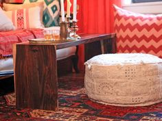 Creative seating for the living room: poufs, ottomans & pillows