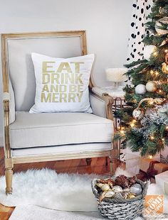 Christmas Decorating Ideas: Throw Pillow with Holiday Message