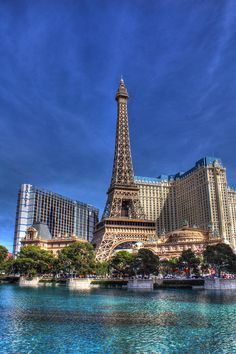 ✮ Paris Hotel and Bally's Hotel, from across the Bellagio fountain pool - Las Vegas, Nevada