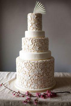lace inspired wedding cake - gorgeous!