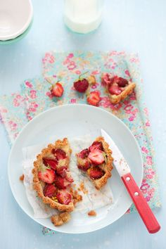 A Strawberry Tart :: Cannelle et VanilleCannelle et Vanille