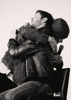 jensen hug, supernatur, winchest, jensen ackles, jare padalecki, spn, brother, jaredpadalecki, jared padalecki