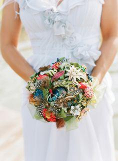 brooch bouquet | Melissa Schollaert #wedding