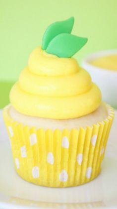 Lemon Pudding Cupcakes   Make Bake Celebrate #cupcakes #cupcakeideas #cupcakerecipes #food #yummy #sweet #delicious #cupcake