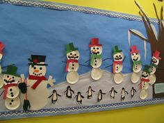 Winter bulliten board....  Adorable Penguins if you look closely :)