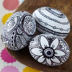 Black n white egg