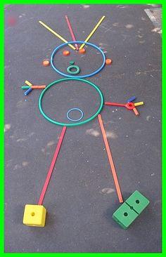Primer en grup ho fan amb figures geomètriques petites i després en gran