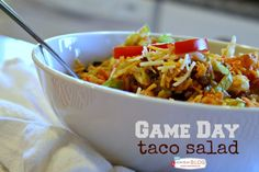 Game Day Taco Salad! Who's ready for some football? Tailgating is easy with this portable Game Day Taco Salad! It's a crowd pleaser for adults and children! TodaysCreativeBlog.net @Kraft  #ad #spon
