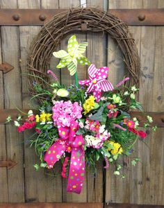 Pinwheel grapevine wreath by WilliamsFloral on Etsy, $62.00