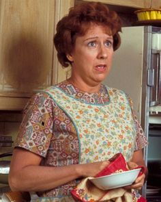 Jean Stapleton as Edith Bunker in All in the Family (January 12, 1971 - April 8, 1979, CBS) peopl, memori, jean stapleton, televis, jeans, families, edith bunker, forgotten, classic 1970s