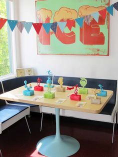 """Picnics in the Park: Diorama Party Part 3: """"Home Made"""" Trophies and Voting Ballots"""