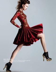 Alexander McQueen FW10  Karlie Kloss & Karmen Pedaru by Daniel Jackson for Vogue UK August 2010