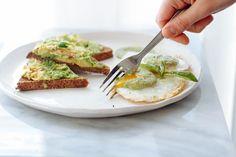 Pesto Green Eggs wit