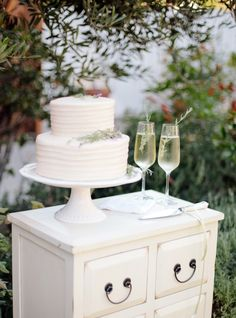@bethhelmstetter's 9 Professional Tips for Designing Your Wedding Cake
