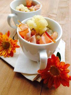 Appetizer di crema di legumi e cavolfiore con speck
