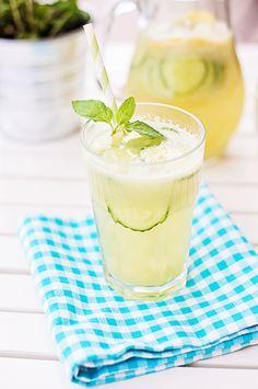 12 mouthwatering recipes for Easter brunch // Cucumber lemonade #easter #brunch #drinks #recipe
