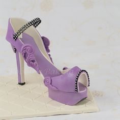 Purple Passion Fondant High Heel Shoe with template by bobbiesbakingblog