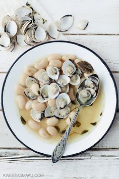 beans and clams, fabes con almejas