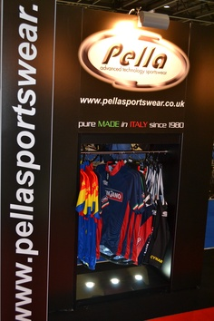 Pella's licensed replica jerseys from famous cycling teams Cynar and Cinzano