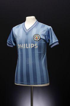 Manchester City Football Shirt (home,1984-1985)