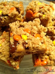 Reese's Peanut Butter Oatmeal Bars {with peanut butter fudge center - oh my!}