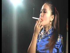 ▶ Yuri The Dragon Lady - YouTube