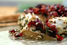 baked brie with rosemary, almond &cherries