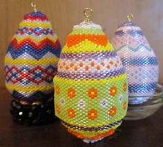 Easter Egg Trio Pattern bead bead, beadedwir jewelri, color combinations, bead ornament, easter eggs, trio pattern, egg trio, christmas trees, bead egg