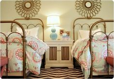 Beds & wall decor