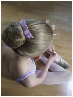 Classic Ballet Hair Bows. Easy to follow tutorial - No sew and a wonderful gift for little ballerinas